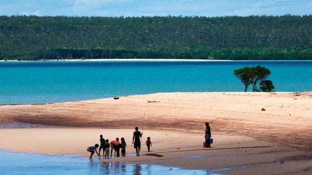 Аборигены Австралии на рыбалке (Фото: Robert Harding/Alamy Stock Photo)
